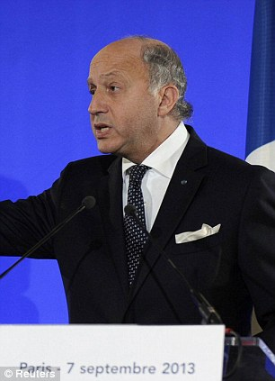 French foreign minister Laurent Fabius says France will float a resolution to remove and destroy Syria's chemical weapons