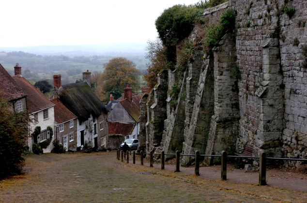 Picture of Gold Hill in Shaftesbury, Dorset.