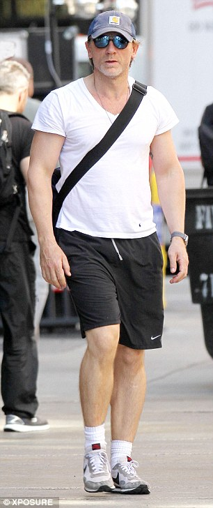 The 45-year-old actor looks in good shape as he makes his way to the gym