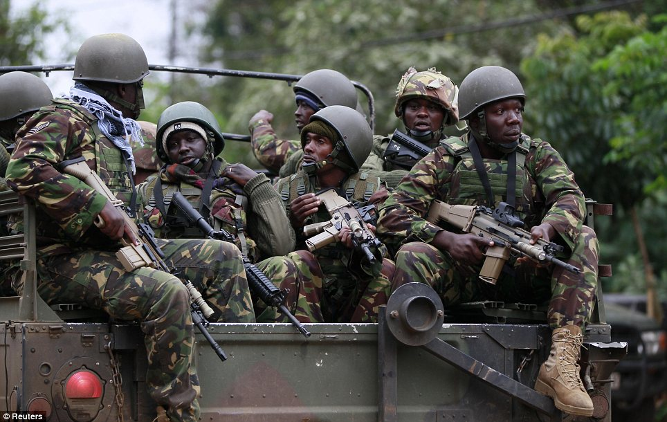 Soldiers from the Kenya Defence Forces (KDF) arrive at the Westgate Shopping Centre in the capital Nairobi