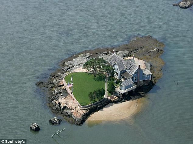 Gold in them thar islands: Belden Island is one of the Thimble Islands off the coast of Branford, Connecticut. Infamous pirate Captain Kidd is said to have stashed some of his treasure on one of the islands in the late 17th century