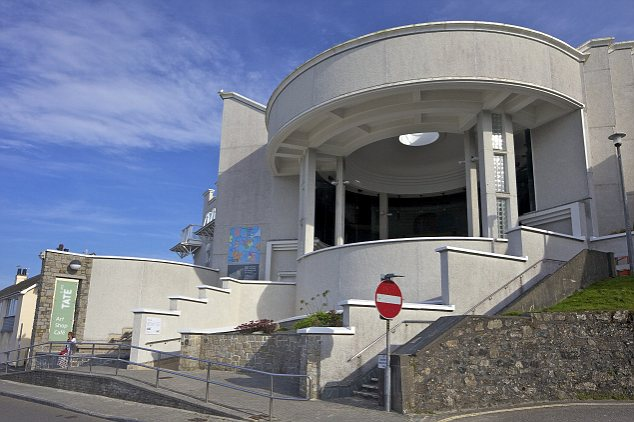Tate Gallery in summer sunshine, St. Ives, Cornwall.