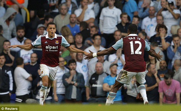 Easy: Morrison congratulated with Ricardo Vaz Te as the Hammers go three up