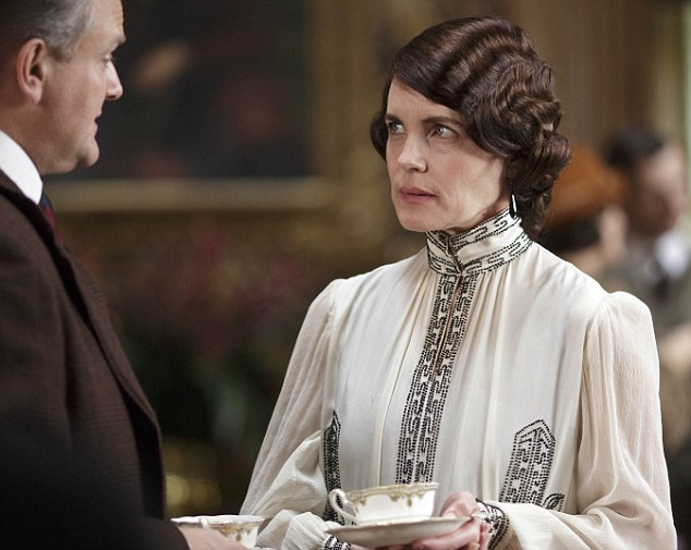 'Oh Rabbit !' Lord Robert Crawley is chastised by his wife for not inviting Dame Nellie Melba to dine with them but to eat in her room