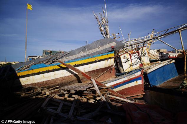 Wrecked boats u