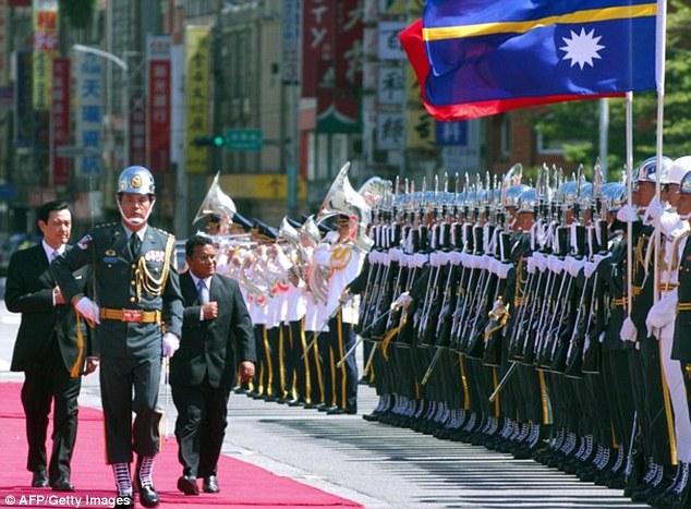 Meet and greet: Taiwan President Ma Ying-jeou alongside Stephen