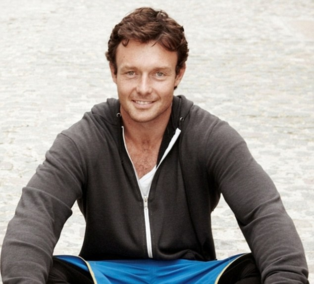 James Duigan's Clean & Lean plan is loved by supermodels and anyone who wants to detox and tone up
