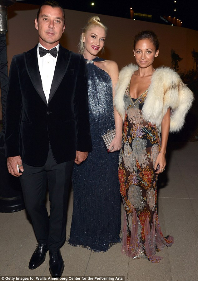 Cozying up: Nicole with Gwen and husband Gavin Rossdale at the event