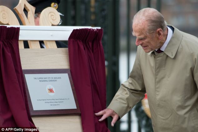 Original name: Prince Philip unveils a plaque at a ceremony in Greenwich, London, to rename the world's oldest clipper ship from 'Carrick' to 'City of Adelaide'