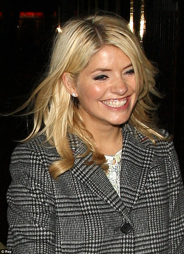 Holly Willoughby in dog-tooth jacket