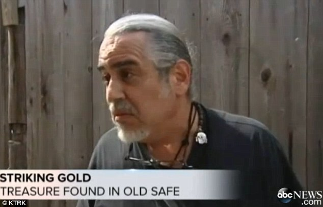 Goldfinger: David Molick spent 20 hours opening a safe, but he found treasure inside