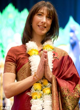 Samantha took part in a ceremony at the Hindu temple