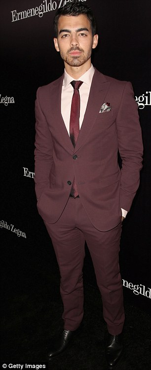sdfA tale of two Joes: But beefcake Magic Mike star Manganiello made the Jonas Brother look puny