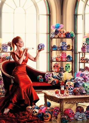 From the gorgeous to the ghoulish! The calendar covers many of the world's biggest festivities and showcases Uma in a variety of beautiful gowns, many of them in red