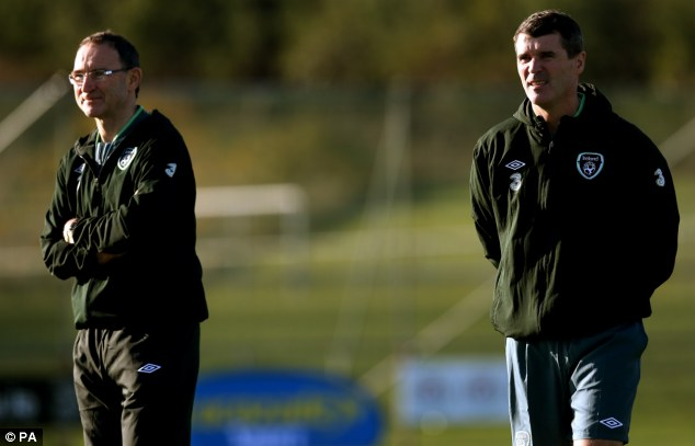 No leash: Martin O'Neill (left) says he will not gag Roy Keane (right) but does want Twitter caution