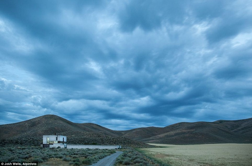 Serene location: It¿s as if the house were a huge three-dimensional Idaho tourism brochure