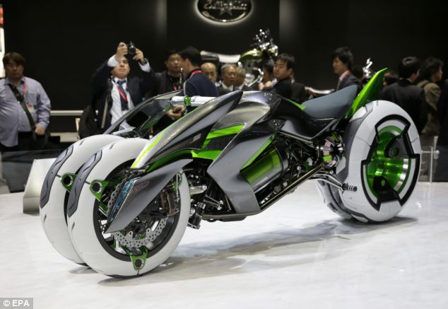 Kawasaki Motors introduces the electric tricycle J