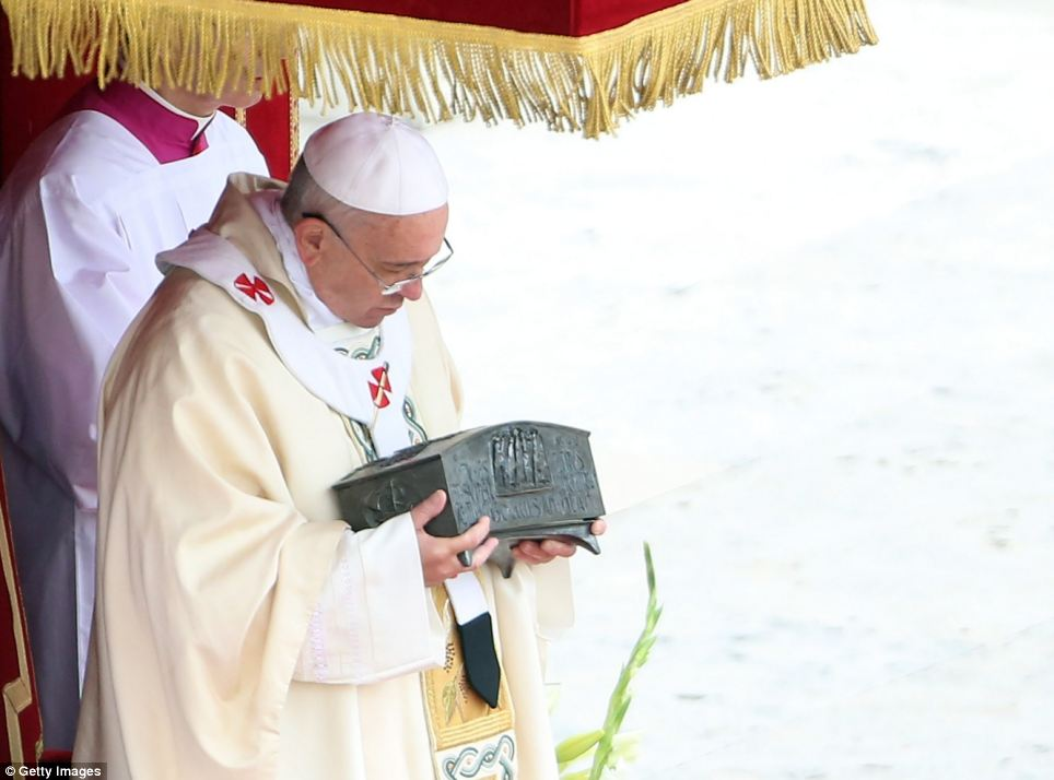 Find: The bones were found shortly after the 1939 death of Pope Pius XI