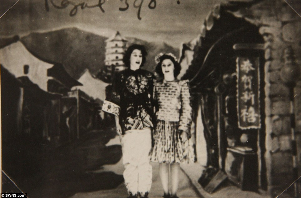 Centre stage: Princess Margaret (right) and Princess Elizabeth (left) in the play Aladdin