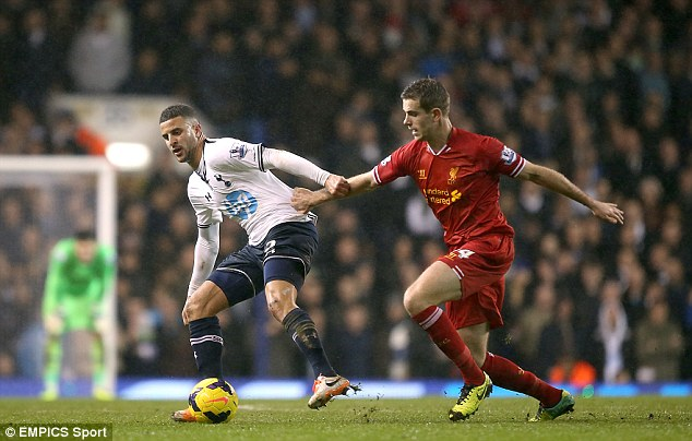 Energy: Henderson keeps Walker on his toes with some intense pressing