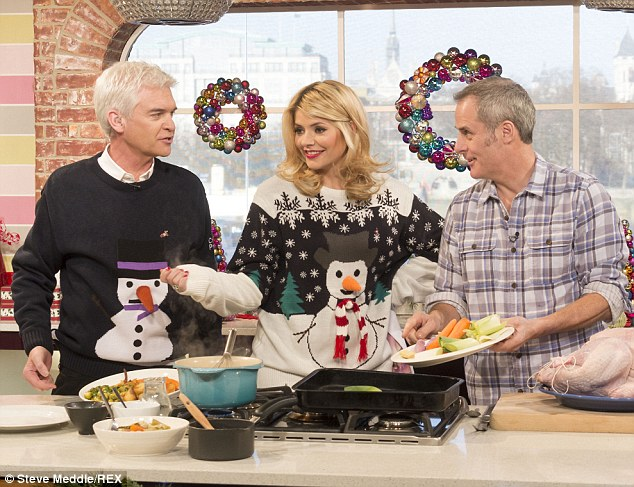 Christmas dinner time! Phil Vickery was also on the show to help out with the festive festivities