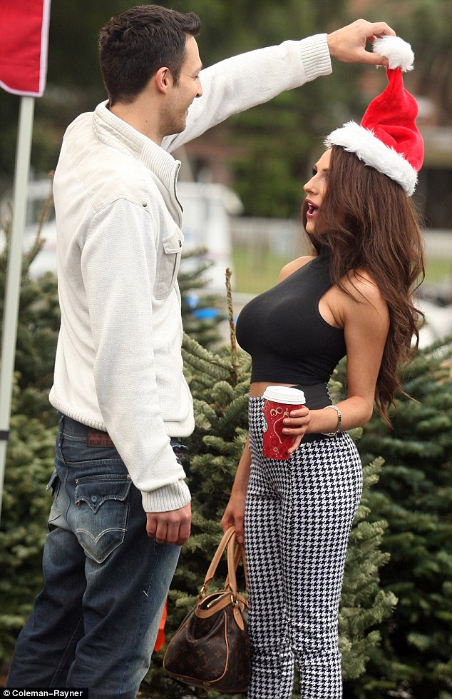 Courtney Stodden not pining for Doug as she goes tree ...