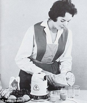 Collect picture taken from the Piccolo instruction manual - Food blender