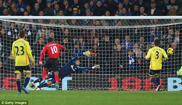 In control: Former Sunderland striker Fraizer Campbell pounces to score his side's second goal past Vito Mannone