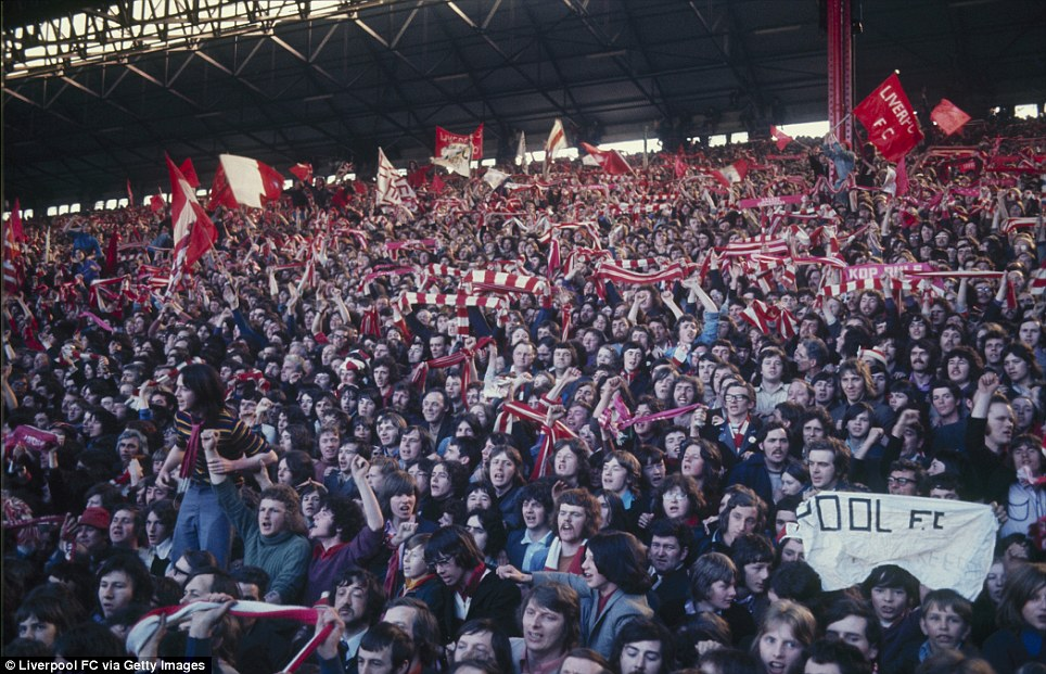 Liverpool fans in The Kop during the Football League Division One match between Liverpool and Everton held on April 20, 1974 at Anfield, in Liverpool, England. The match ended in a 0-0 draw. (Photo by Liverpool FC via Getty Images)