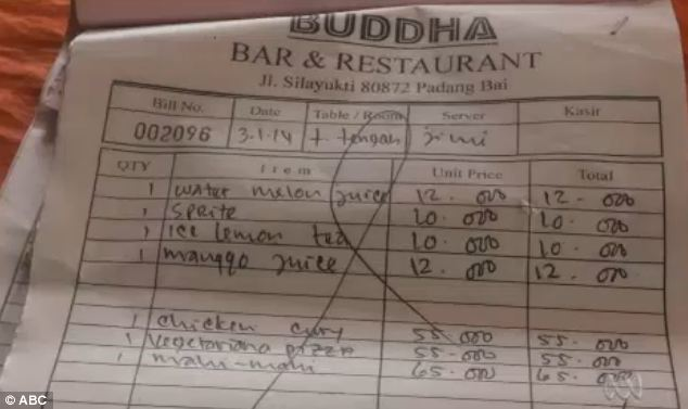 The bill for the meal shows the mother and daughter had juices, lemon tea, chicken, pizza and fish