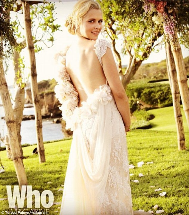 I do! Palmer married Webber on December 21 in Mexico and made a beautiful boho bride