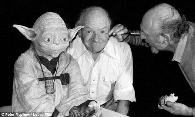 Makeup session: Yoda and Stuart Freeborn get a touch up on set