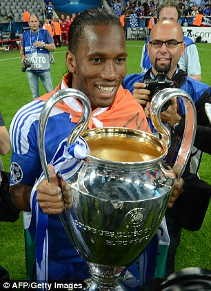 Drogba lifts the Champions League trophy in 2012