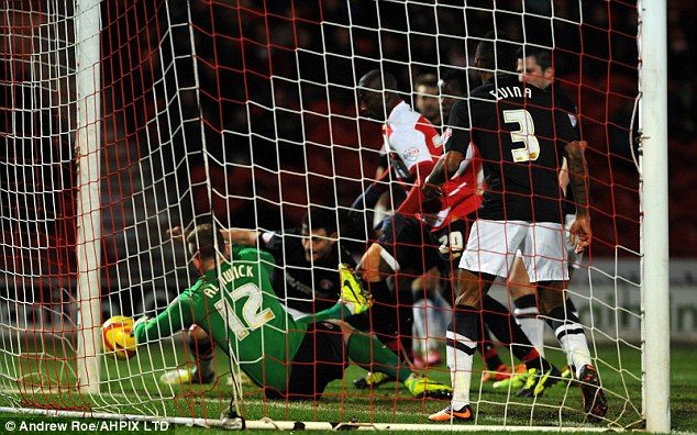 Scrambling the opener: Abdoulaye Meite opened the scoring after 26 minutes
