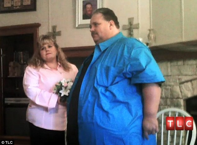 Connection: When they first met, Nissa says Chuck was around 600lbs. She decided to give him a chance and not judge him by his weight because she felt that is what other people did with her