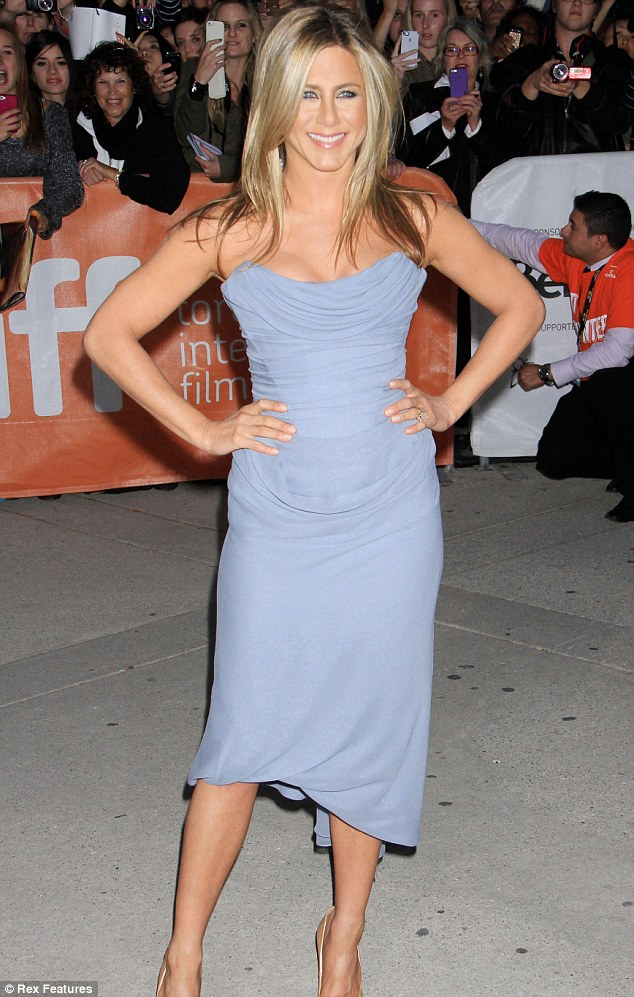 Before the chop: Jen posed at the Life Of Crime premiere at Toronto International Film Festival back in September of 2013