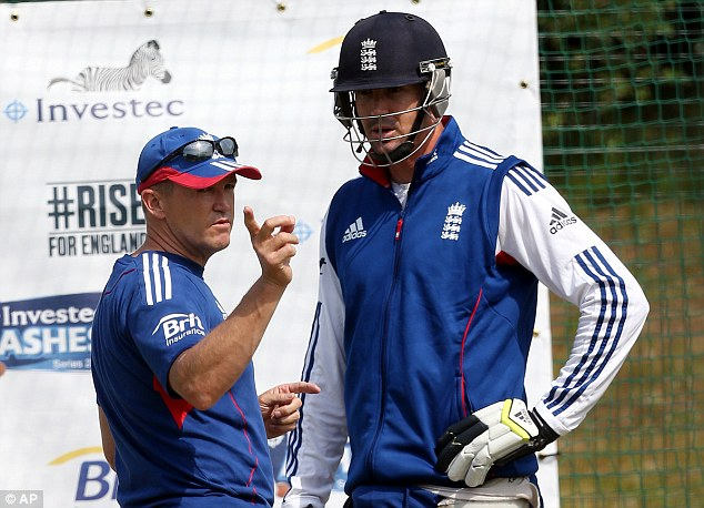 Critic: Pietersen told Andy Flower the issues that the England players had with his management