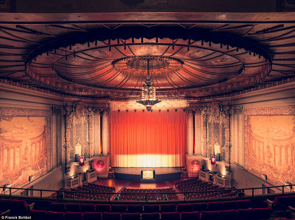 The Castro Theatre is a San Francisco Historic Landmark built in 1922 and designed by Timothy L. Pflueger who is also the man behind the Paramount Theater in Oakland