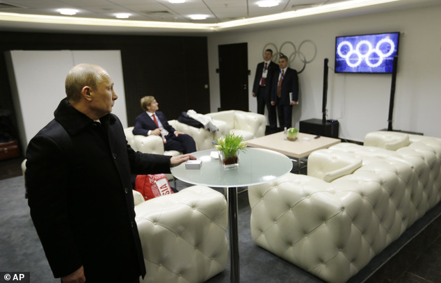 The image on the TV shows all five rings illuminated, and is footage from one of two rehearsals, held Feb. 1 and 4. It was inserted after one of the rings failed to open during the actual ceremony