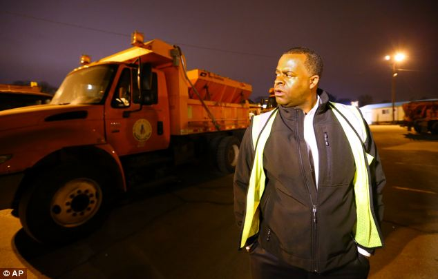 Getting ready: Mayor of Atlanta Kasim Reed checks on progress at a Public Works facility on Monday