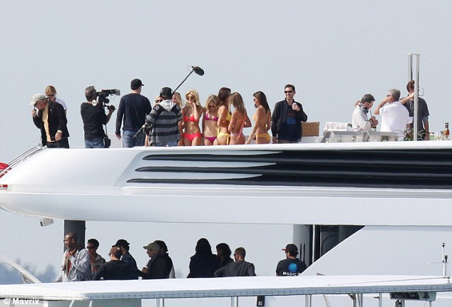 To be expected! Kevin Dillon was spotted filming a luxury yacht scene for the upcoming Entourage movie in mid January alongside castmates Adrian Grenier, Kevin Connolly and Jerry Ferrara