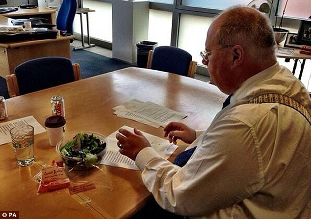 And Mr Pickles once hit back at Mr Osborne, tweeting an image of himself eating a salad