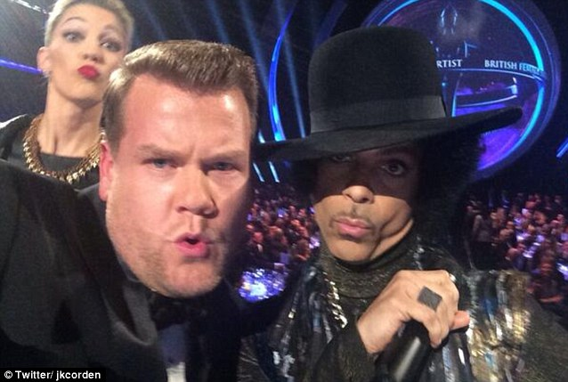Selfie time: James took an on stage selfie with Prince which caused a Twitter stir