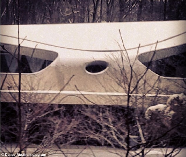 Spaceship house: Justin has rented out the Atlanta mansion with a futuristic design from producer Dallas Austin