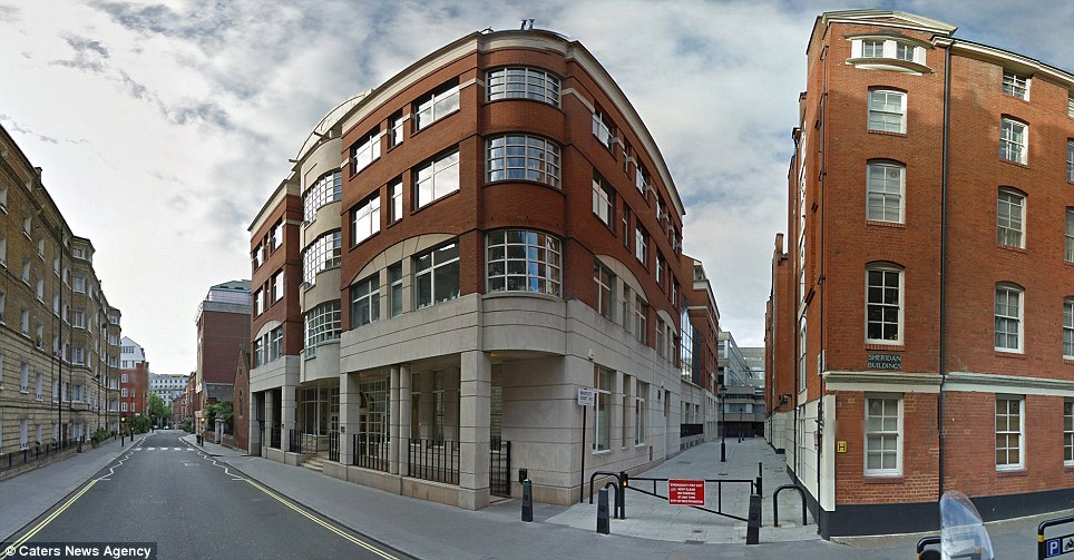 The Covent Garden flat sacrifices space for the convenience and location that the streets of London can provide, with incredibly local transport links nearby, and the cosmopolitan hub of Covent Garden market just around the corner
