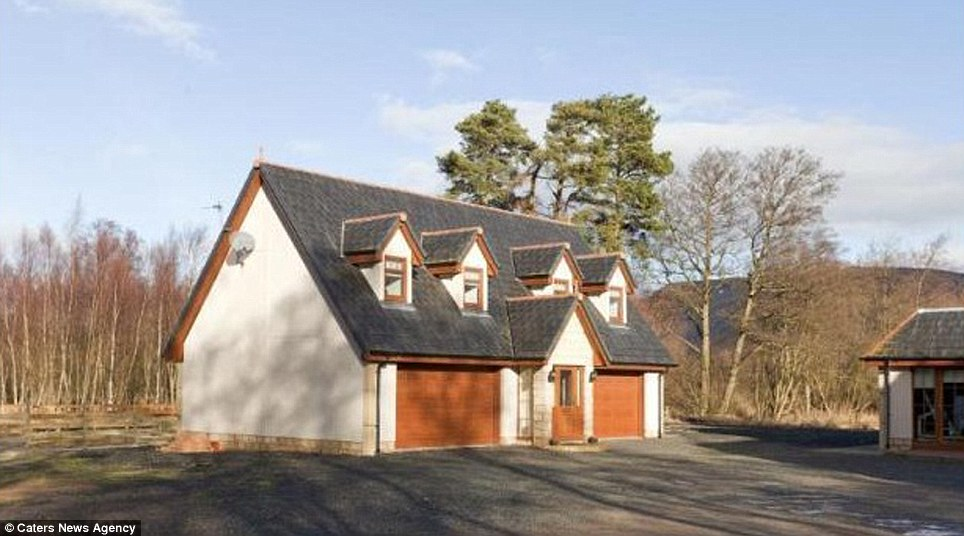 The Scottish property also has a small garage that could easily function as a guest house, but at the moment is used as a 4-car garage. The rooms could be converted into a more house-like guest house in the future with a few small alterations