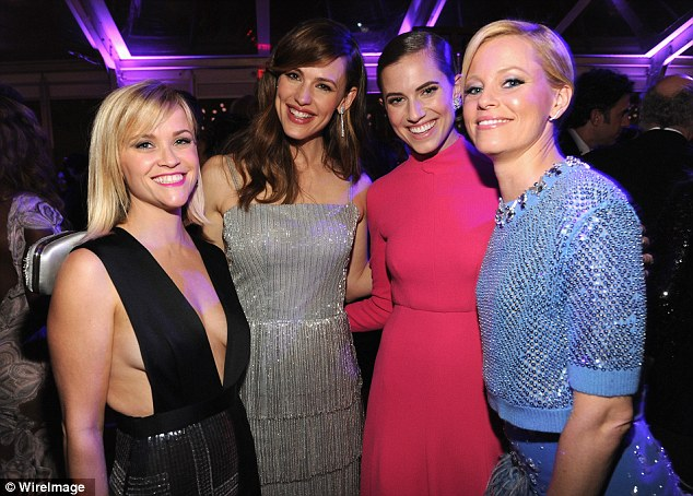 Smiley happy people: Reese, Jennifer, Allison Williams and Elizabeth make a good look group of actresses