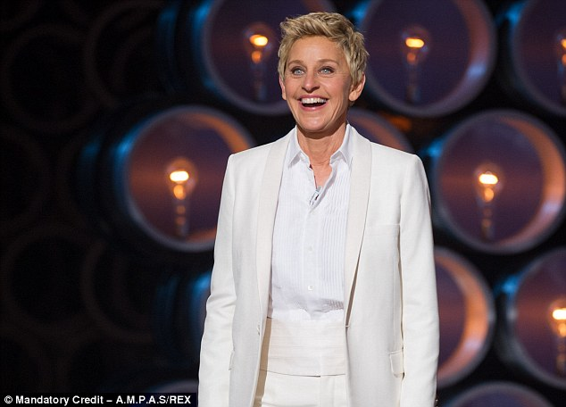 'Yeah ! That's right. I put different clothes on !' Ellen DeGeneres greeted the applause of the crowd by gently poking fun at herself, and the hosts of other award shows