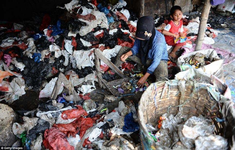 The Benowo landfill is located in northwest of Surabaya, Indonesia, and approximately 3.4km southeast from the coast