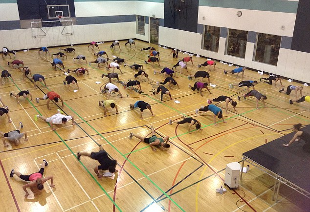 An Insanity event where participants have a go at press-ups